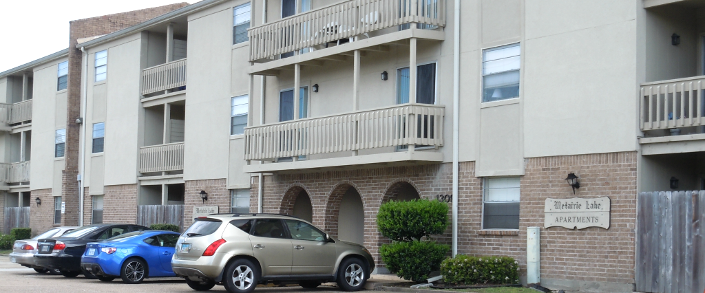 Metairie-Lake-Exterior-5.png